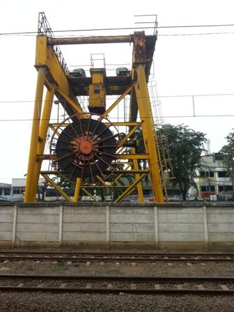 Foto dari dalam stasiun Bekasi